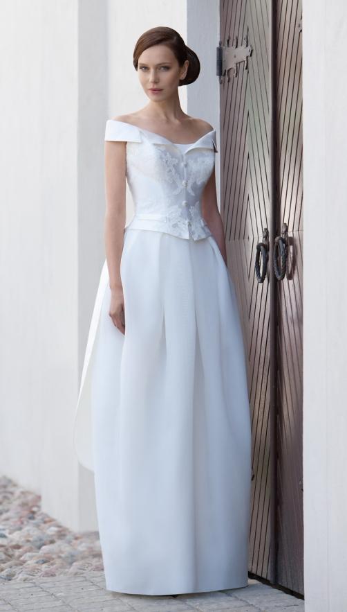 Портретный вырез на платье